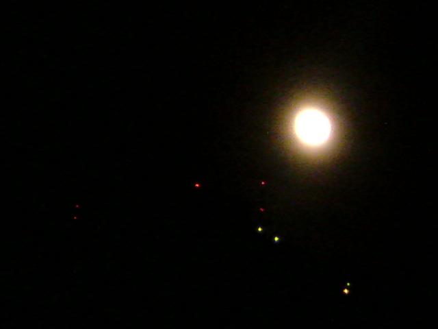 今日も月が綺麗です♪ 痛いの痛いの飛んでいけ〜 主人の痛みを分かち合った ちょっと不思議な経験です♪