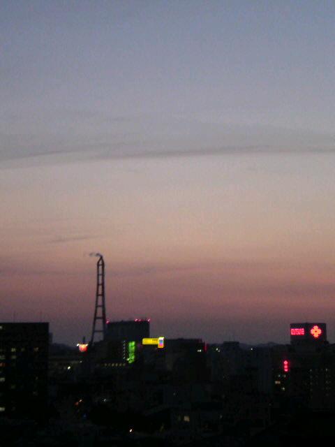 夕焼けの前と後の空